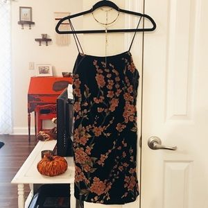 Lush/ Lulu's velvet floral dress S